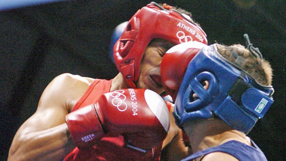 Boxers dressed in red are slightly more likely to win (Getty Images)