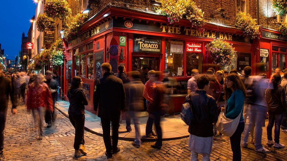 More of Ireland's pubs host folk music, and jazz. (Holger Leue/Getty)