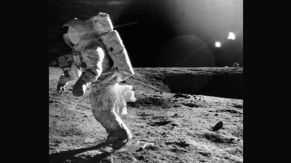 Walking on the Moon often led to stumbles (SPL)