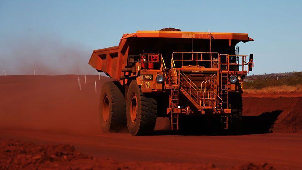 Huge mining trucks in Australia are already driving themselves (Stephen Stockwell)