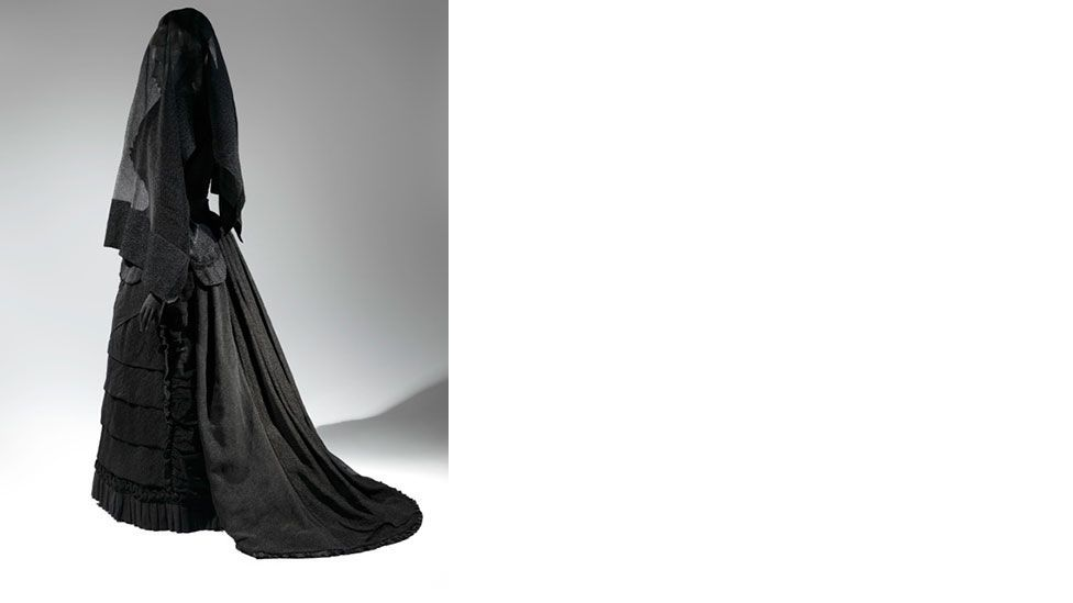 Black was traditionally a colour reserved for the clergy, nuns or the bereaved (The Metropolitan Museum of Art)