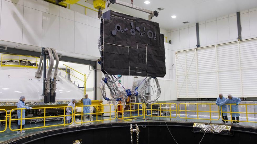 The Solar Orbiter's panels have to be able to withstand temperatures as high as 500C (ESA)