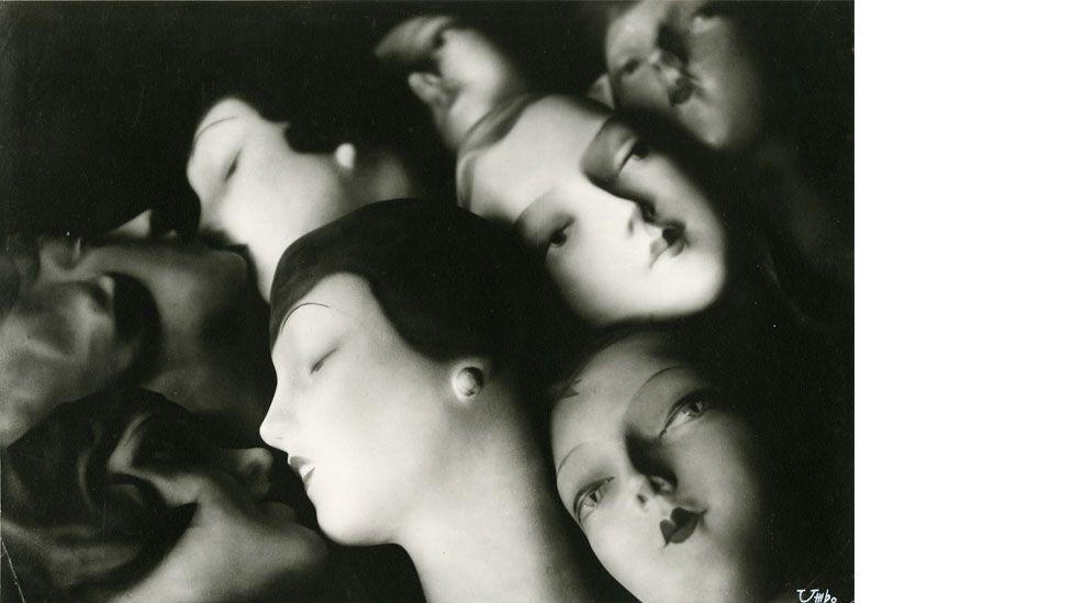 Umbo's Träumende (The Dreamers) from 1928–9 (Phyllis Umbehr / Galerie Kicken Berlin / DACS 2014)