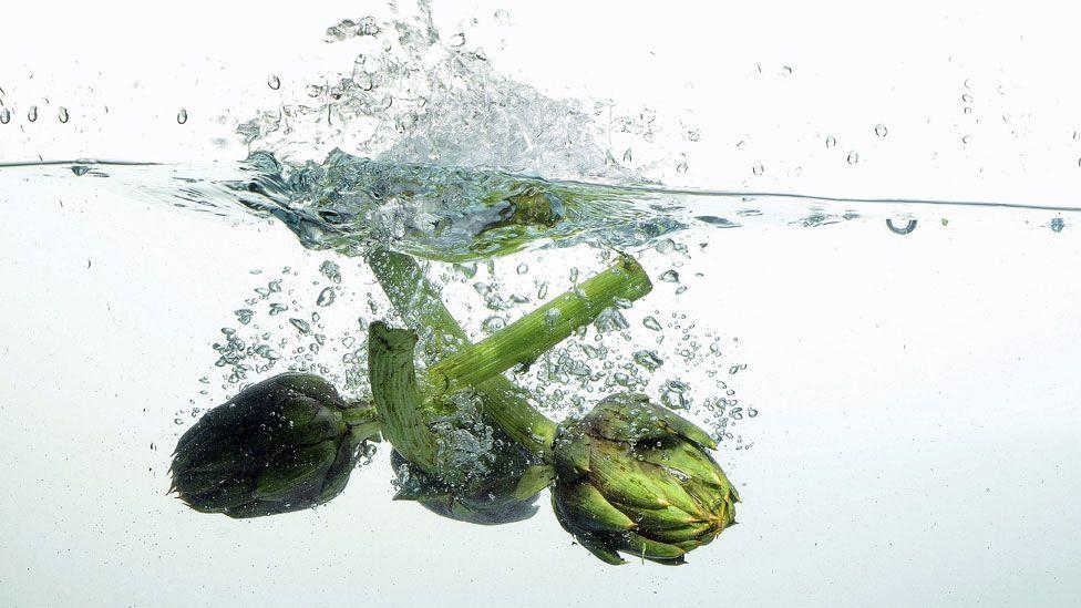 Artichokes transform the taste of water (Thinkstock)