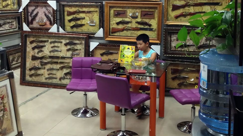 Yiwu market has a store for everything, even imitation guns. (Tim Maughan)