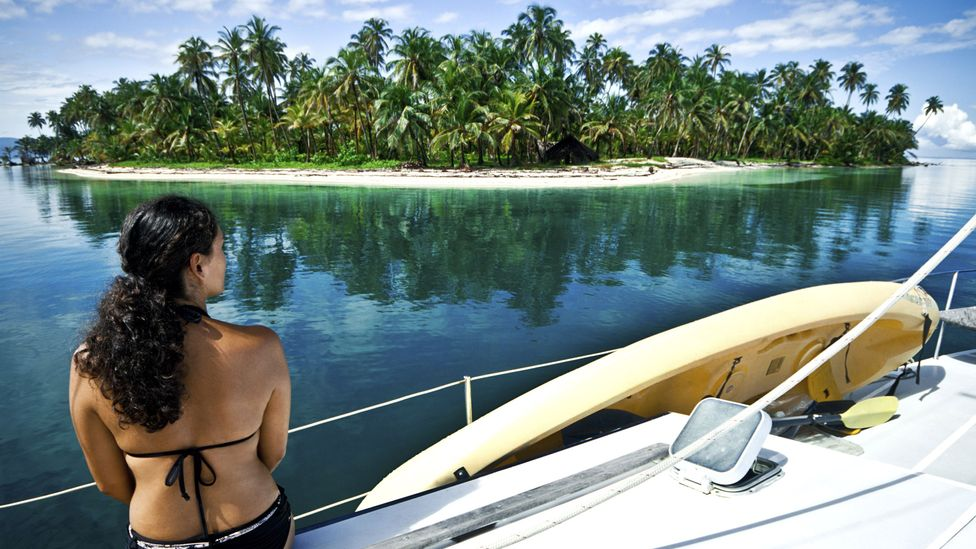Kayaking off the idyllic San Blas islands is popular with expats. (Thinkstock)
