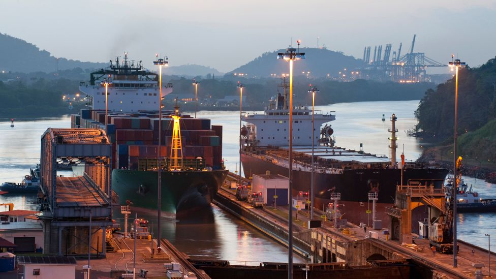 The Panama Canal links the Pacific and Atlantic oceans. (Thinkstock)