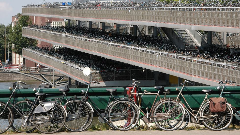 Dutch cities such as Amsterdam have huge parking buildings for bicycles (Credit: Airbete/Wikipedia/CC BY-SA 3.0)