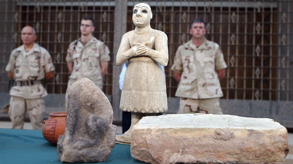 This ancient Sumerian statue is among thousands of ancient looted treasures stolen from the National Museum in Baghdad in 2003 (Credit: AFP/Getty Images)