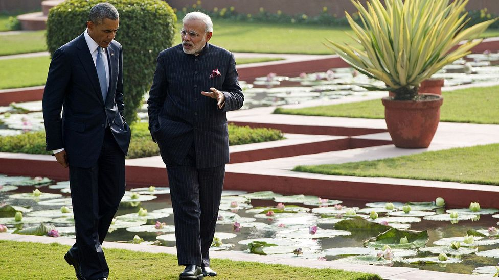 US President Barack Obama takes a walking meeting with Indian Prime Minister Narendra Modi. (Credit: Saul Loeb/AFP/Getty Images)