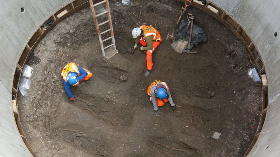 The remains of 14th Century plague victims is one of the grislier discoveries (Credit: Crossrail)