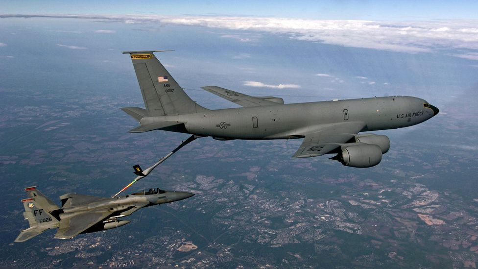 Military aircraft regularly refuel in the air, a procedure which requires great skill (Credit: USAF)