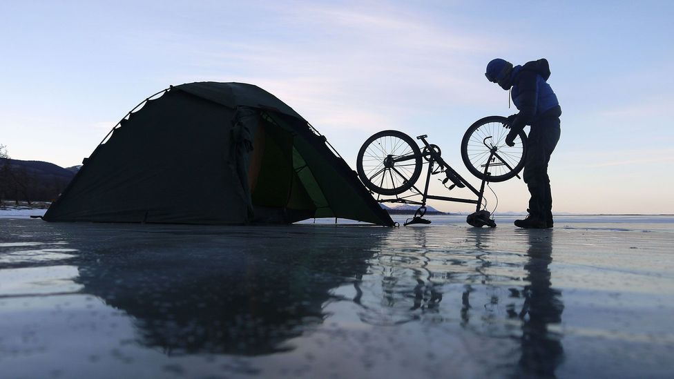 Setting up camp (Credit: Stephen Fabes)