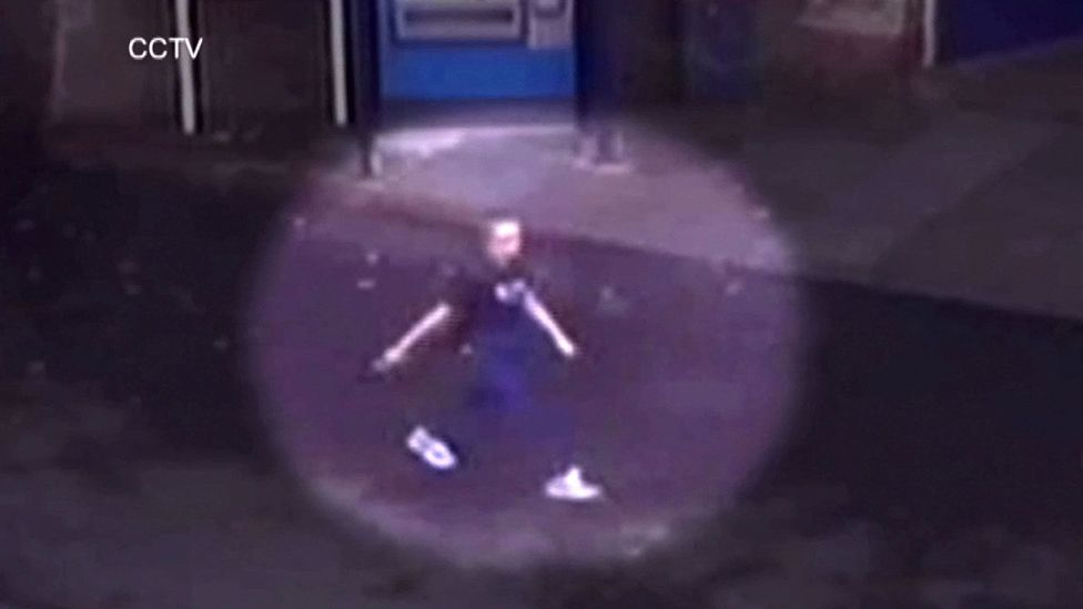 The Metropolitan Police's super-recognisers combed through CCTV images like this one, which shows Alice Gross on the day she disappeared (Credit: REX Shutterstock)
