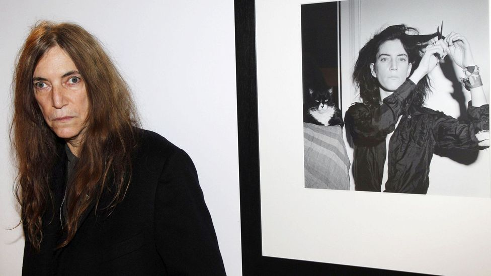 Smith has continued to celebrate Mapplethorpe and frequently appears at exhibitions of his work (Credit: Alamy)