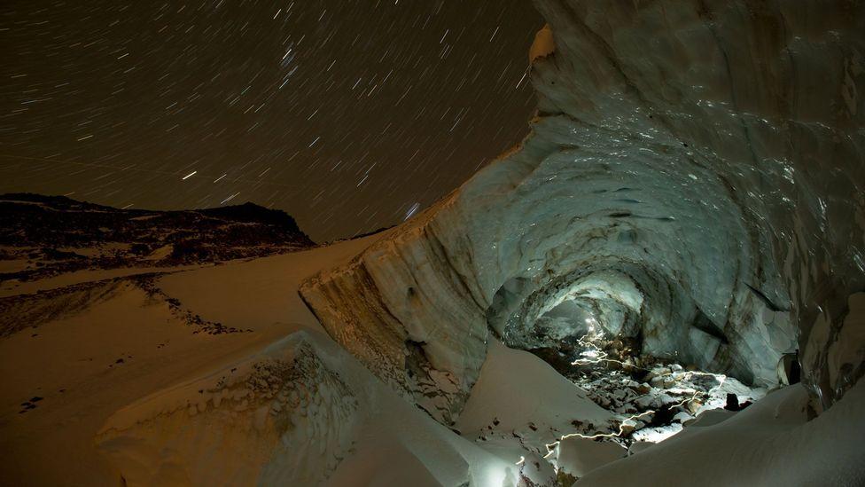 Mt Hood, Sandy Glacier, Snow Dragon, Pure Imagination, glacier cave, Oregon