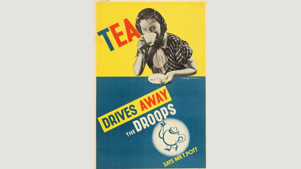 This 1936 British poster combines block colours with a black-and-white photograph of the singer Gracie Fields to advertise a brand of tea (Credit: Cooper Hewitt Museum)