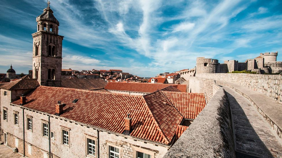 View of the walls that surround Dubrovnik's Old City (Credit: MaZisong/Thinkstock)