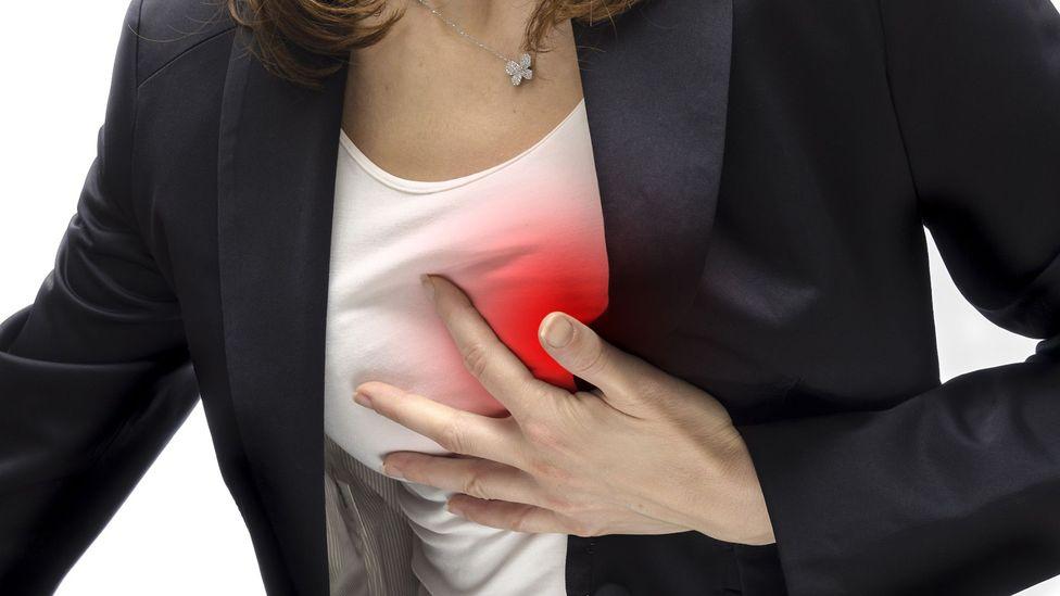 Muchos estudios grandes han analizado el vínculo entre el alcohol y las enfermedades cardíacas, con muchos resultados diferentes (Crédito: Thinkstock)