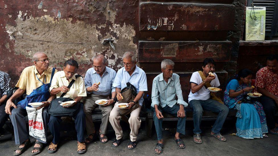 Breaking for mealtime (Credit: Dibyangshu Sarkar/Getty)