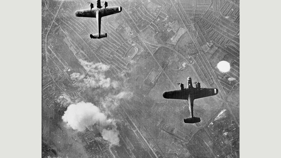 German Dornier bombers flying over West Ham, London; the unguided explosives they delivered ranged from 110lb (50kg) to 550lb (250kg) (Credit: Imperial War Museum)