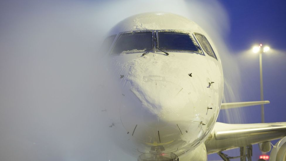 The outside of an airliner is a lot easier to clean than the passenger cabin (Credit: Getty Images)