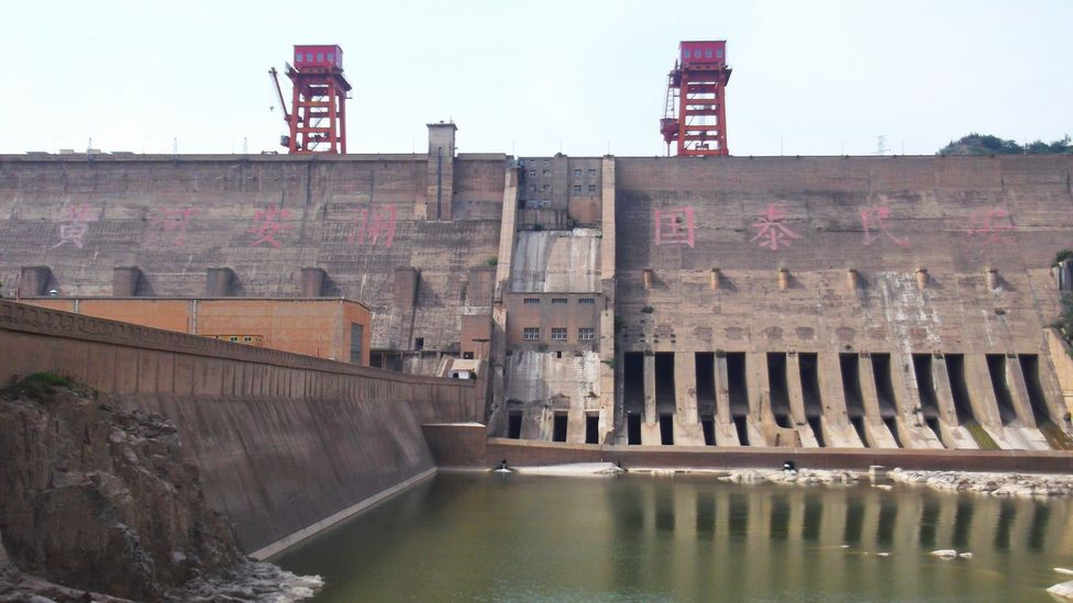 The Sanmenxia Dam was built half-a-century ago to tame the power of the Yellow River (Credit: Philip Ball)