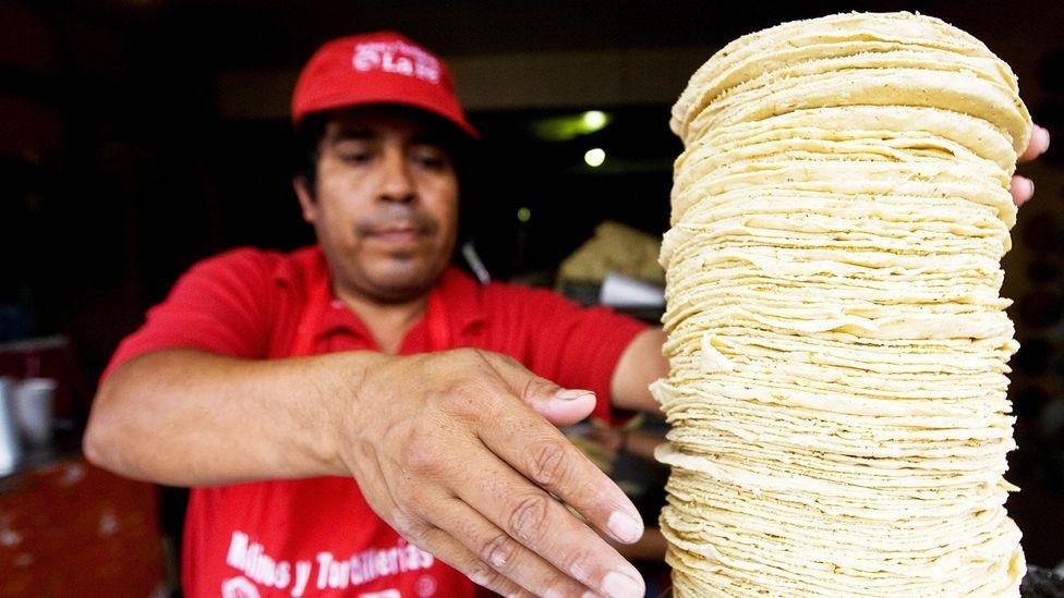 Chewy corn tortillas offer texture to tacos (Credit: Ronaldo Schemidt/Getty)