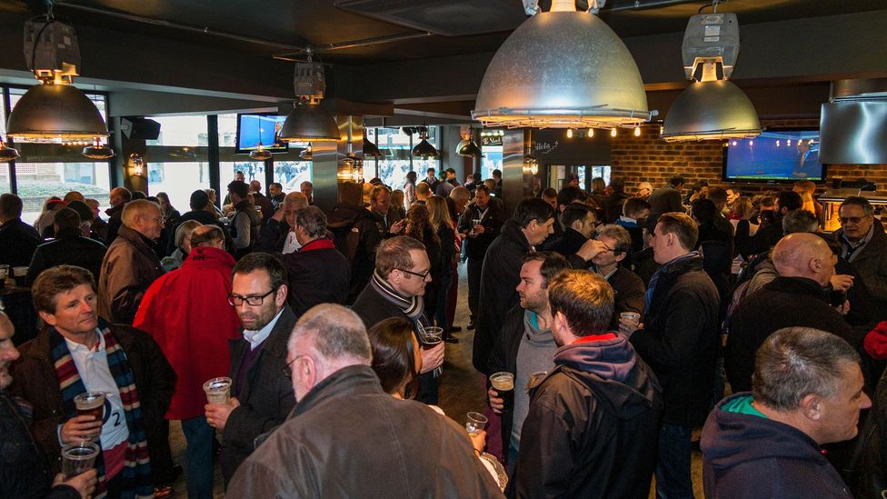 New pubs were designed with characteristics like few tables and noisy surroundings, which encouraged people to drink more (Credit: David Gee/Alamy Stock Photo)