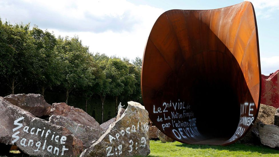 Kapoor's work was repeatedly daubed with anti-Semitic graffiti throughout its residence in the gardens at Versailles (Credit: EPA/Alamy)