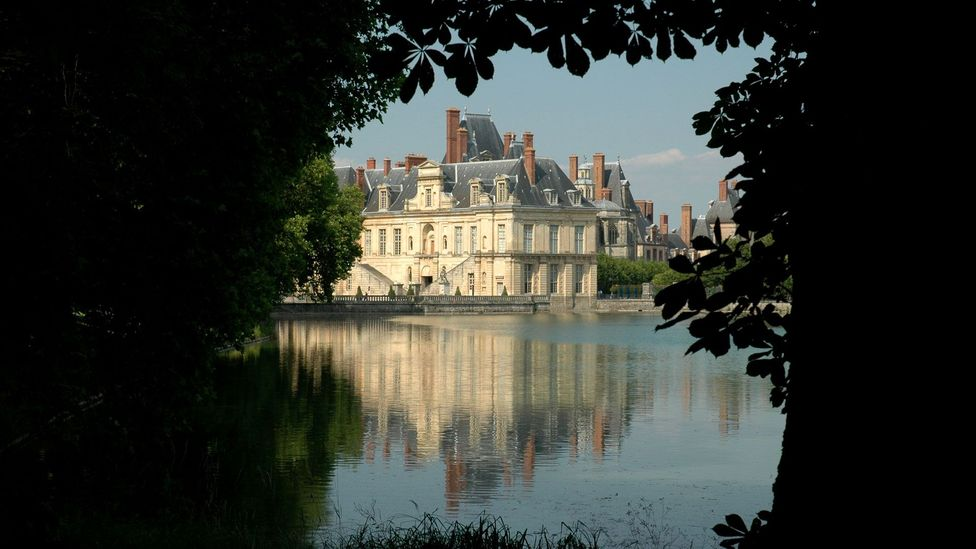 The Palace of Fontainebleau (Credit: Peter Schneiter/Alamy)