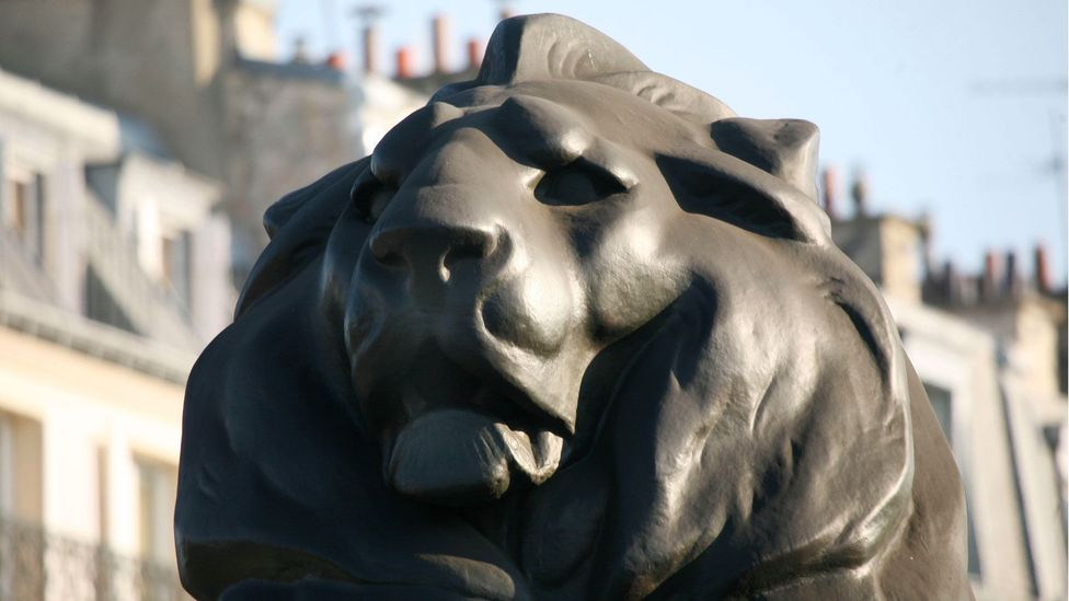 The lion in the Denfert-Rochereau circle (Credit: Gilles Targat/Photos 12/Alamy)