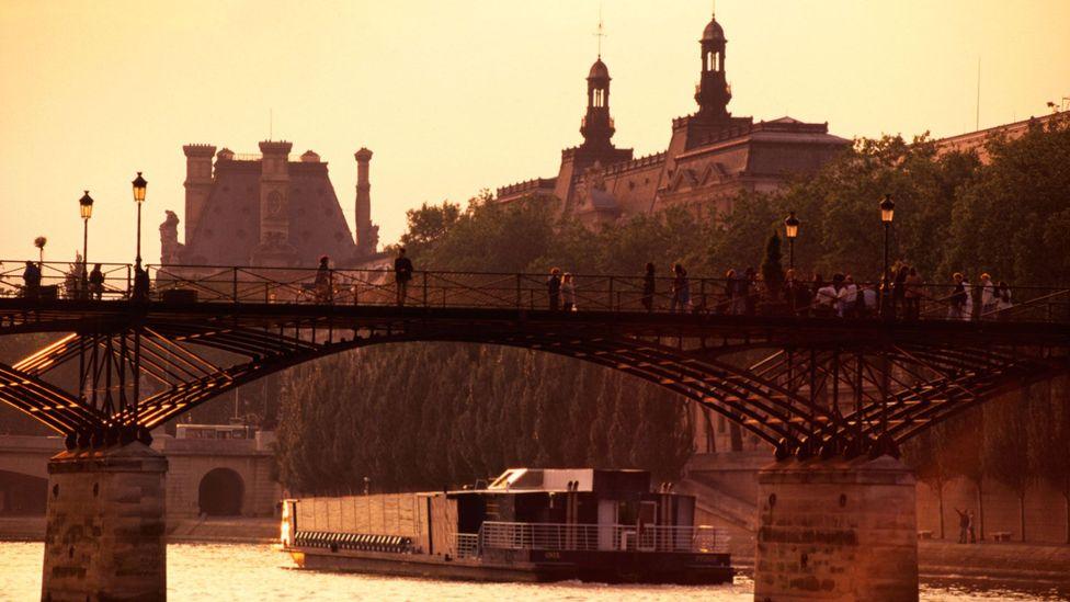 A bridge over the Seine (Credit: D Degnan/ClassicStock/Alamy)