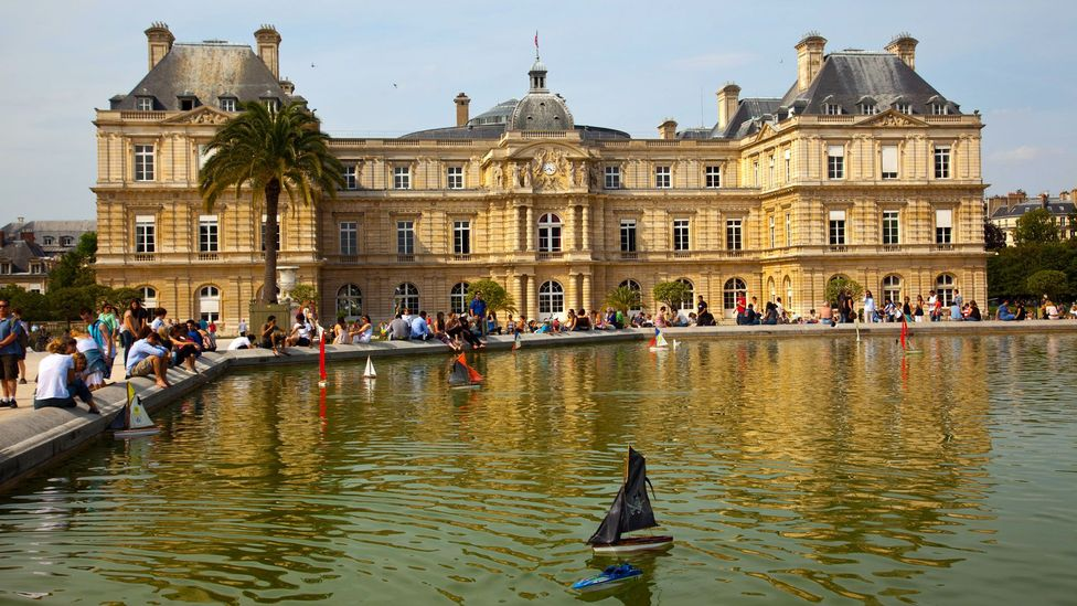 The fountain in the Jardin du Luxembourg (Credit: Andre Lebrun/Age Fotostock/Alamy)