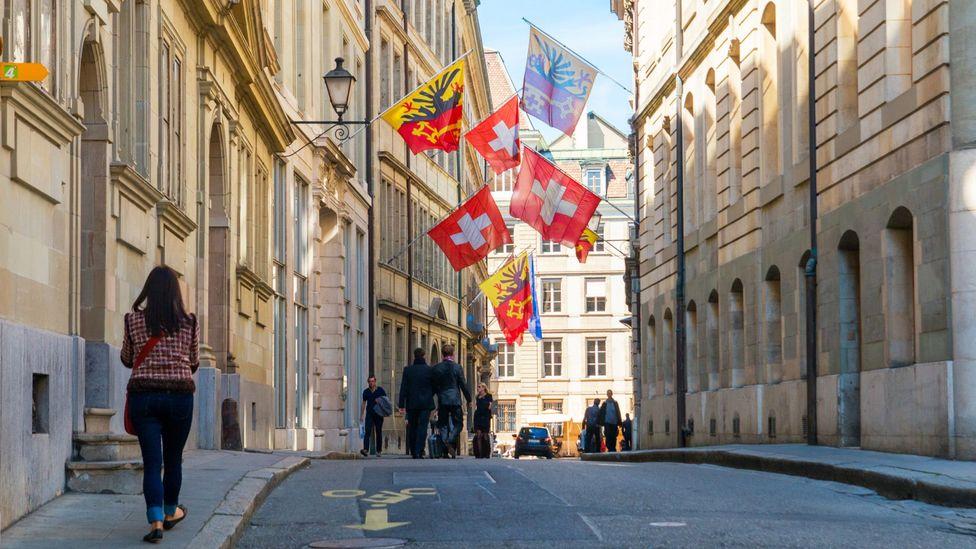 Wandering the streets of Geneva's Old Town (Credit: Michał Ludwiczak/Thinkstock)