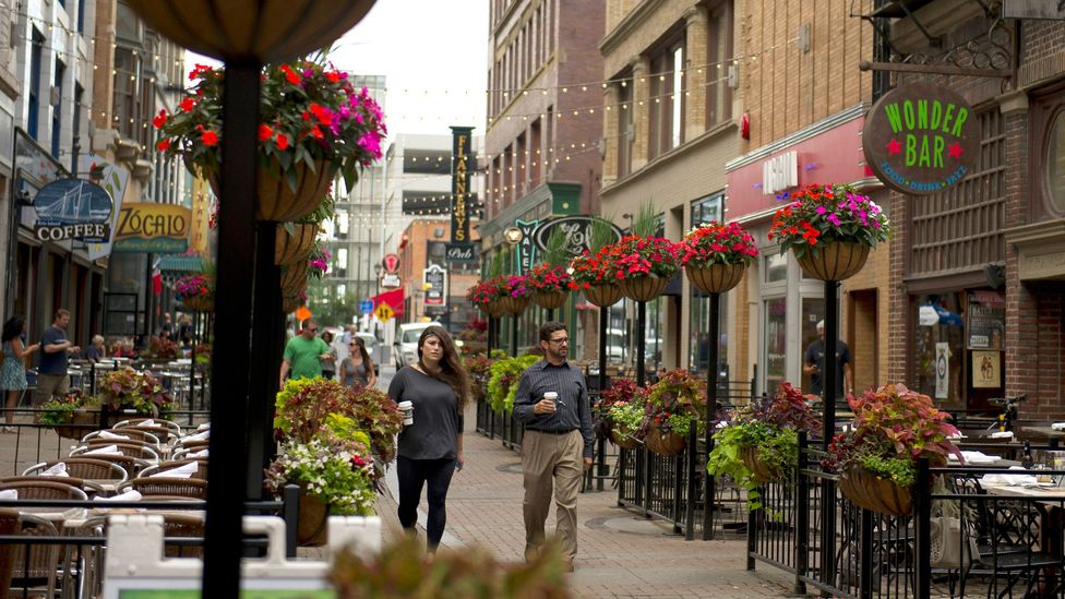 Cafes and pubs dot Cleveland's East 4th Street (Credit: Jeff Swensen/Getty)