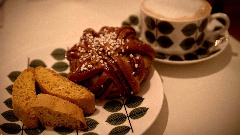 Sweet treats and coffee are a fika staple (Credit:Flickr/Andreas Ivarsson/CC BY 2.0)