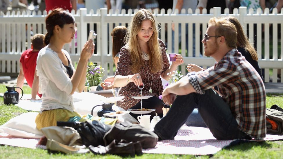 Members of the public enjoy a traditional fika picnic in in 2011 in London (Credit: Getty Images)