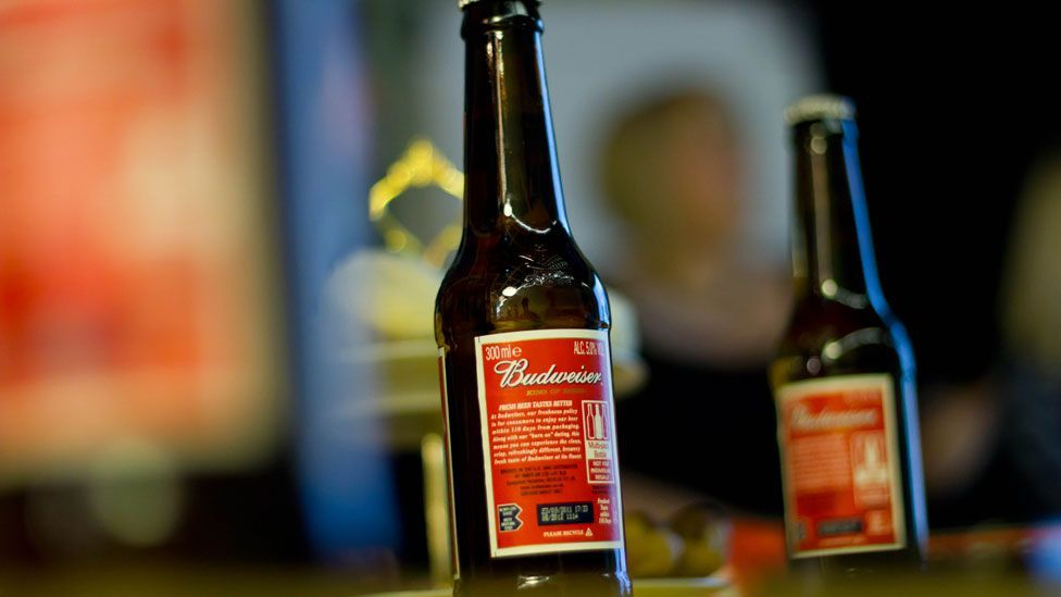 One bottle of Budweiser: 132kcal (Credit: Stephen Hynds/Flickr/CC BY-SA 2.0)