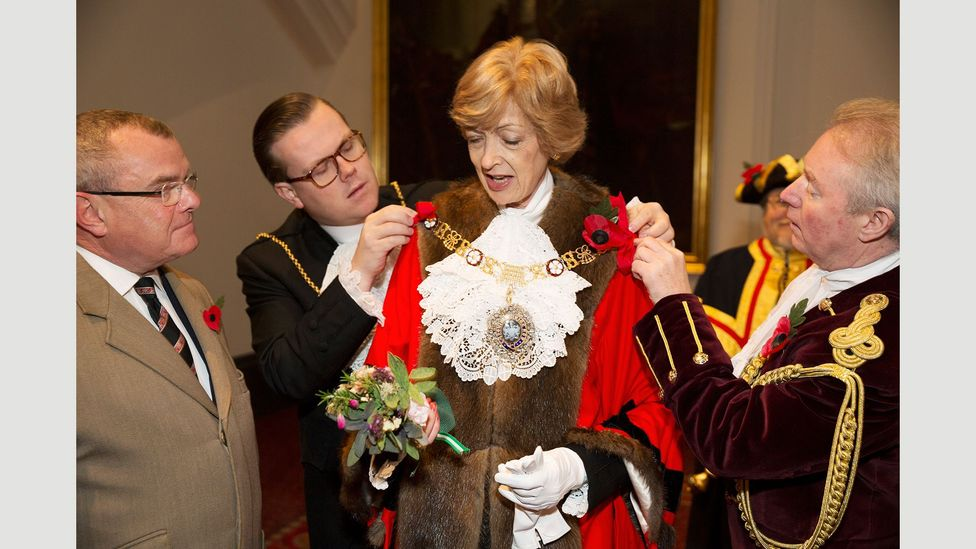 Fiona Woolf preparing for the Lord Mayors Show in 2013 (Credit: Martin Parr/Magnum Photos)