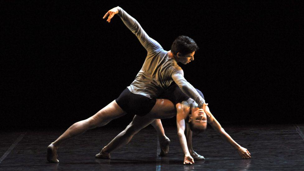Nadja Saidakova and Vladislav Marinov dance to music by Philip Glass at the Ballet Gala of the Berlin State Ballet in 2011. (Credit: Sueddeutsche Zeitung Photo/Alamy Stock Photo)
