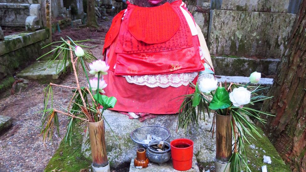 Jizo Bosatsu is usually depicted smiling with pink cheeks (Credit: Adam H. Graham)