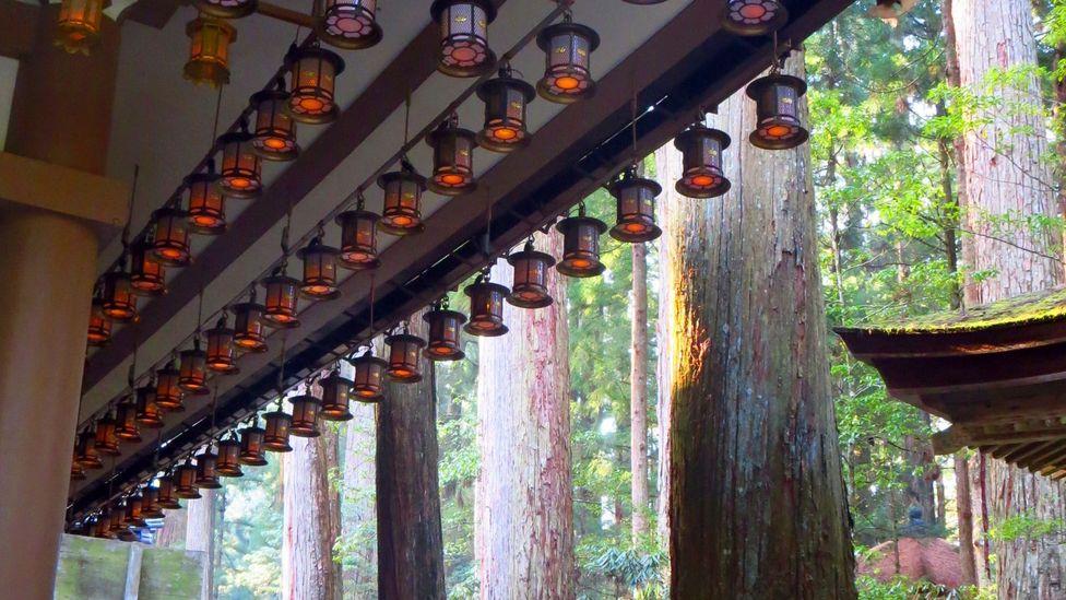10,000 lanterns were donated to Torondo (Credit: Adam H. Graham)
