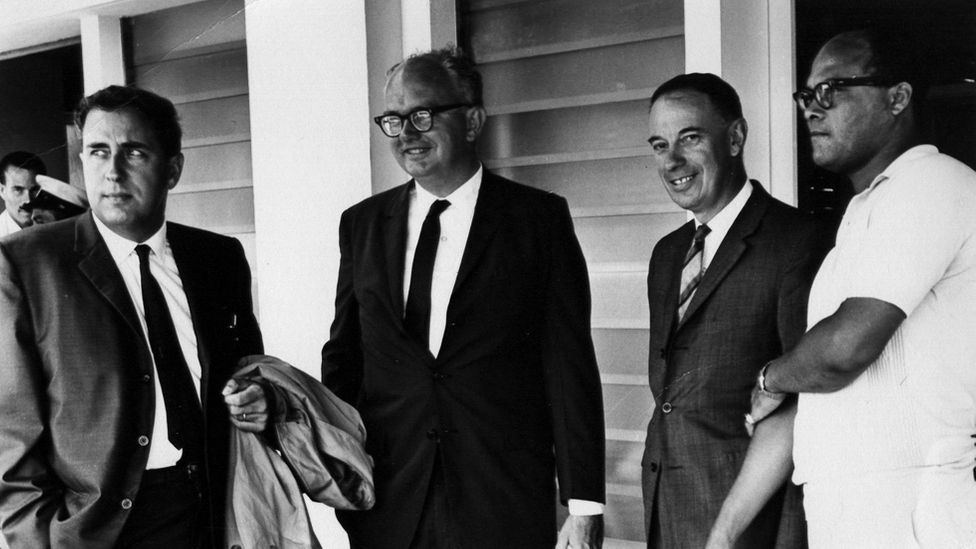 Gerald Bull, at far left, photographed at the Space Research Institute, McGill University, Canada in 1964 (Credit: WordClerk/CC BY-SA 3.0)