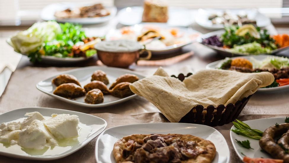 A table filled with delicious Turkish cuisine (Credit: sebnem koken/Alamy)