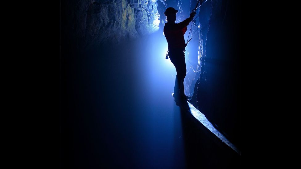 """The first challenge on the Go Below Ultimate XTreme Adventure, called """"The Catwalk"""", involves scooting across a ledge 10cm wide (Credit: Go Below Underground Adventures 2016)"""