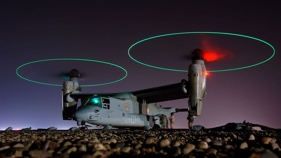 The V-22 Osprey can tilt its engines so they act like helicopter rotors for landing and take off (Credit: US Navy/Wikipedia)