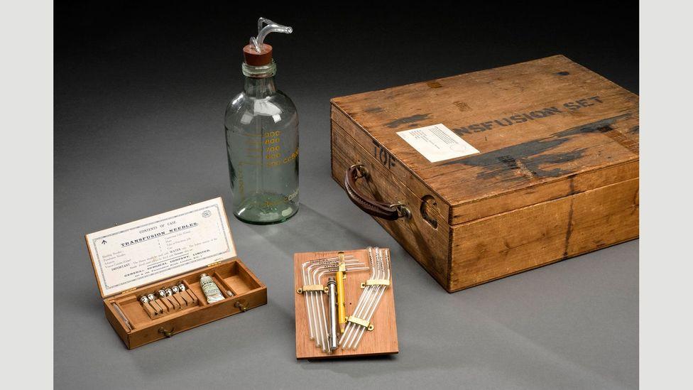 Robertson's blood transfusion kit, 1917-18 (Credit: Science Museum/SSPL)