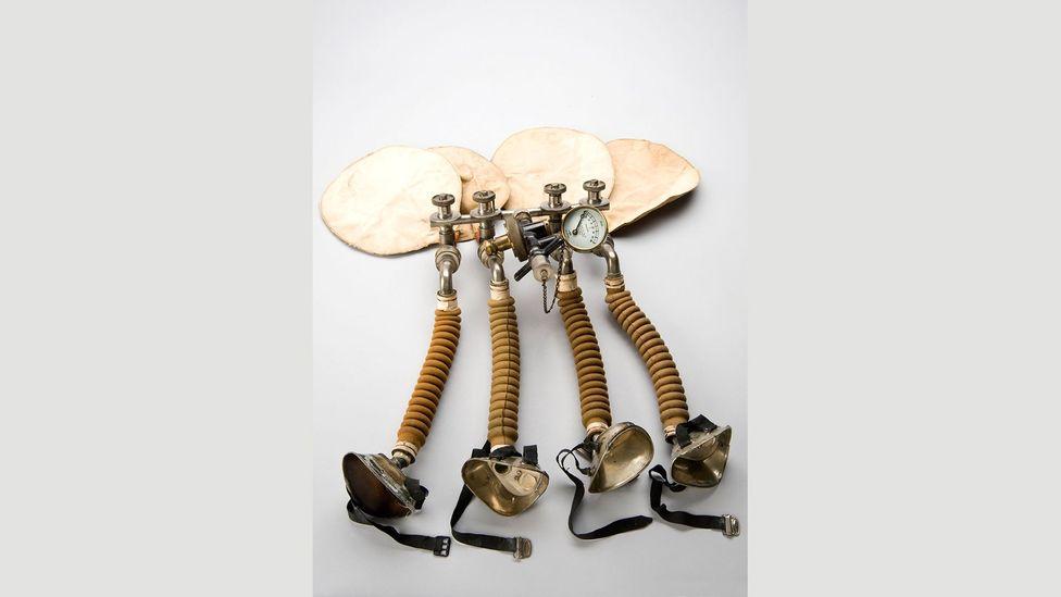 Oxygen therapy apparatus by John Haldane Scott, 1917-18 (Credit: Science Museum/SSPL)