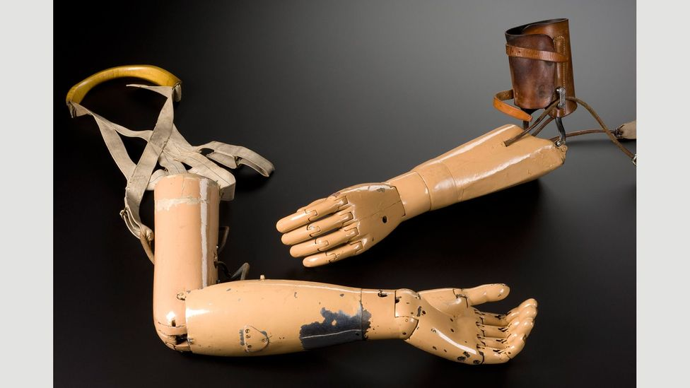 Artificial arms by Carne Artificial Arm Co, 1915 (Credit: Science Museum/SSPL)